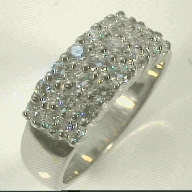 one peral thin band ring